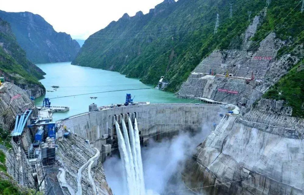 这条江上的水利水电工程创造了20多项世界第一!